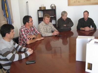 El Grup d'Explotacions Vinícoles del Penedès presenta a l'Ajuntament d'Olèrdola els resultats de la vinya experimental de la Muntanyeta