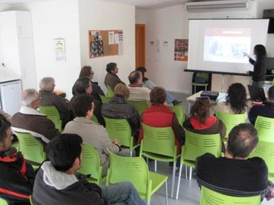 Els usuaris dels compostadors que cedeix l'Ajuntament d'Olèrdola  han rebut un taller de formació aquest dissabte
